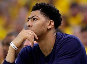 Anthony Davis has to be thinking about this big contract decision coming soon. (photo courtesy of www.thestate.com)