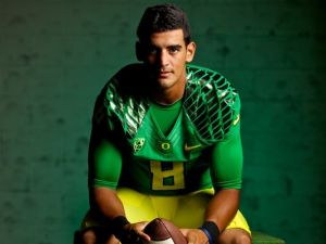 Marcus Mariota not only is set to tackle the NFL, but the ghosts of the quarterback position at Oregon (photo courtesy of www.usatoday.com)