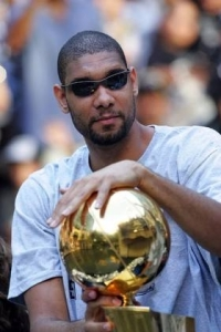 Tim Duncan is hoping to win another trophy with the addition of LaMarcus Aldridge. (photo courtesy of www.hngn.com)