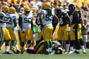 Maurkice Pouncey went down with an injury that will affect the Steelers this season. (photo courtesy of Jason Bridge/USA Today Sports)